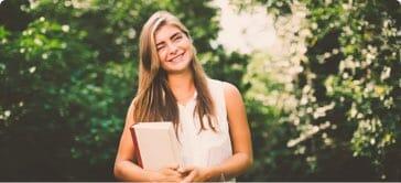 Fanny är privatlärare för sommarkurs matematik